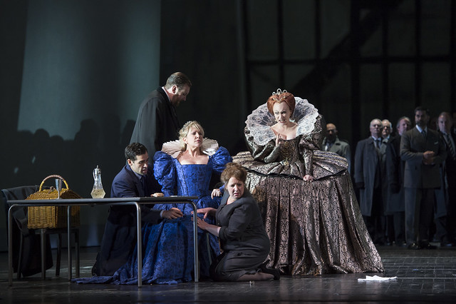 Ismael Jordi as Leicester, Matthew Rose as Giorgio Talbot, Joyce DiDonato as Maria Stuarda, Kathleen Wilkinson as Anna Kennedy and Carmen Giannattasio as Elisabetta in Maria Stuarda © Bill Cooper / ROH 2014