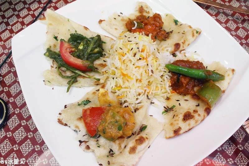 30858582216 c190a4c79f b - 熱血採訪 | 台中西區【斯里瑪哈印度餐廳】印度人開的全印度料理,正宗道地美味,推薦必點印度烤餅、印式棒棒腿