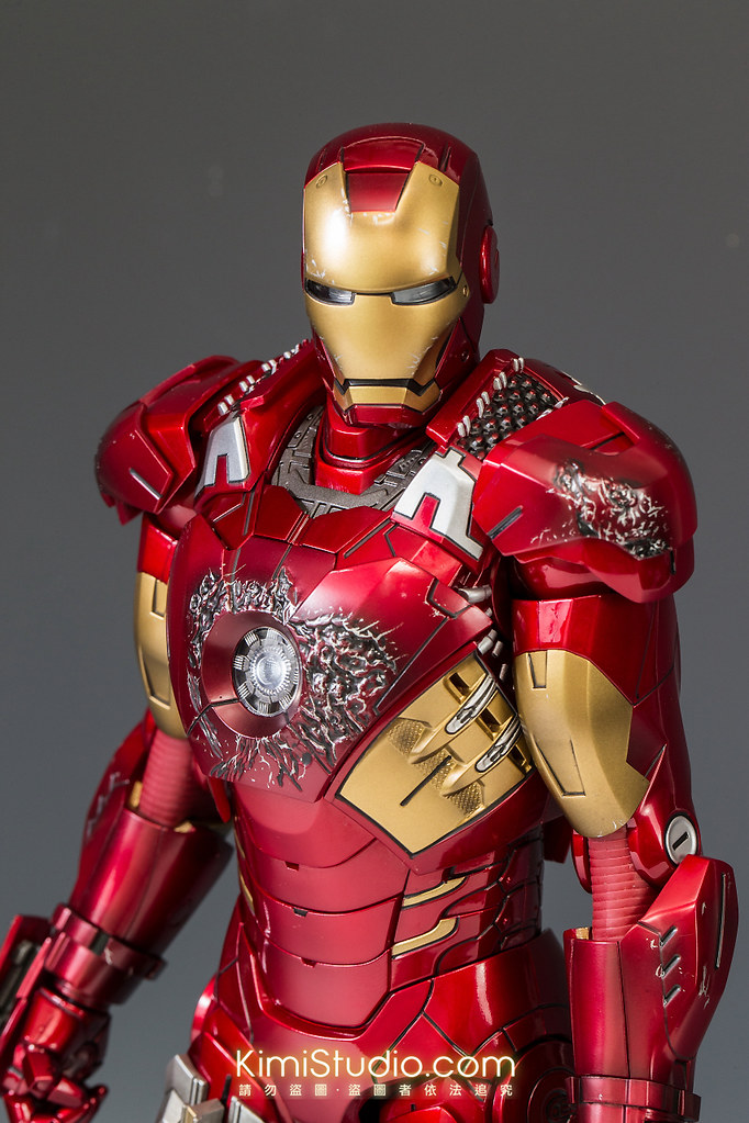 2013.06.11 Hot Toys Iron Man Mark VII-056