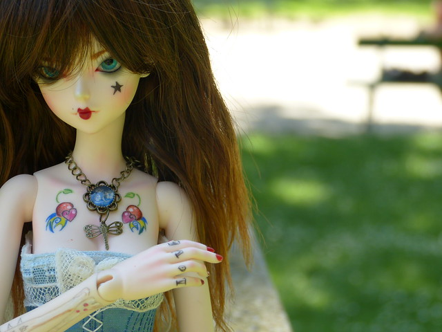 *~Alice in Darkness~* Chap 2 - Just my imagination 9286036436_5c1cf9cd48_z
