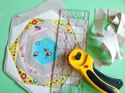 Patchwork Please!  Zakka Along 2: Happy Hexagon Trivet