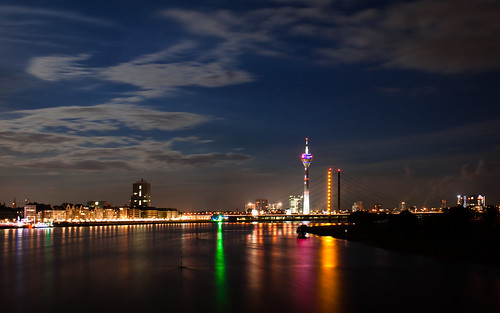 Düsseldorf Skyline by Βilbo