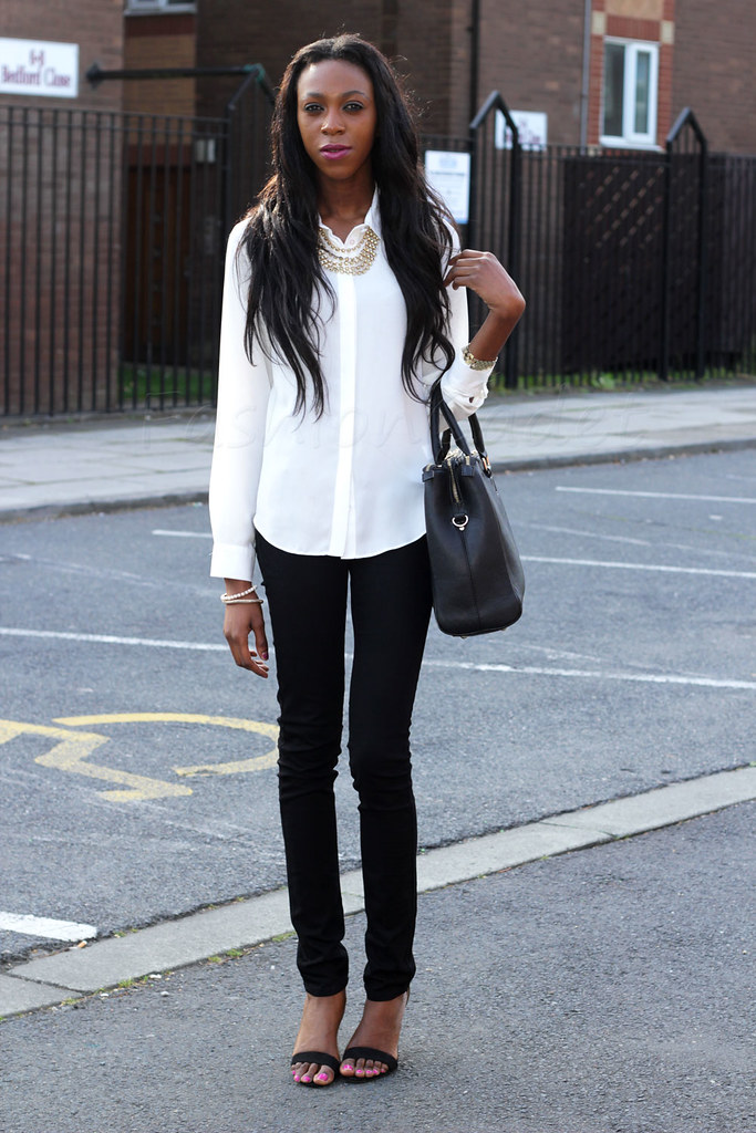 Ways to style a Black & white outfit, Black & white Trend, tips on how to wear a black and white outfit