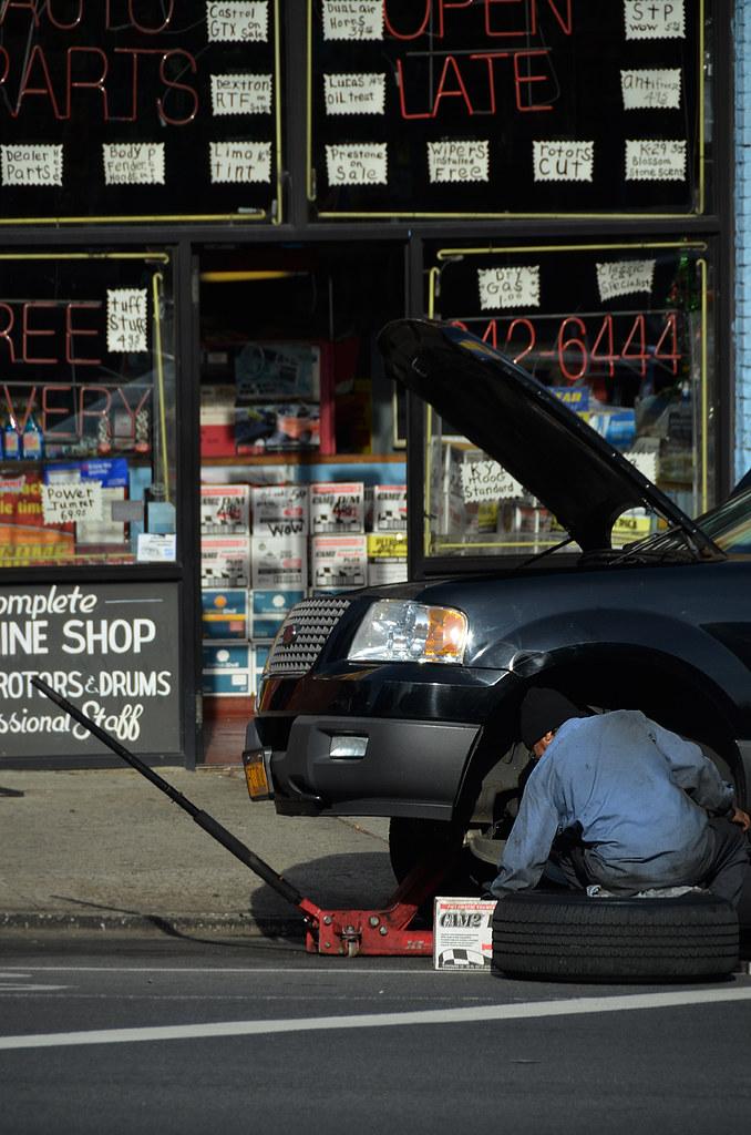 Reparando un coche