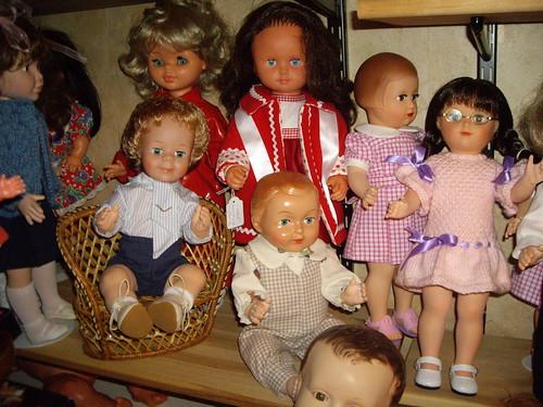 Les poupées de ma maison  11367950734_c181aba90a
