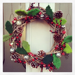 Yay. This years wreath is a keeper. It's late but it came out just how I wanted it :) #craft