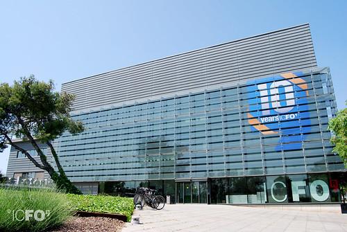 Células fotovoltaicas transparentes para mejorar la eficiencia de los edificios