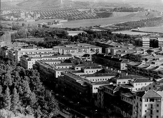 Vista de la Avenida de la Reconquista. Años 80