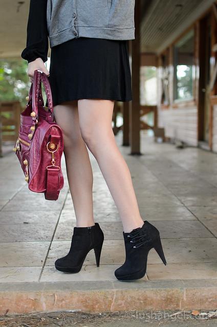 black-heeled-booties