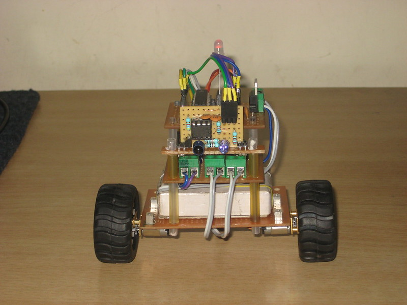 tinyTableBot front