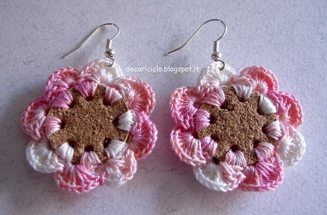 orecchini a fiore di sughero e cotone 1