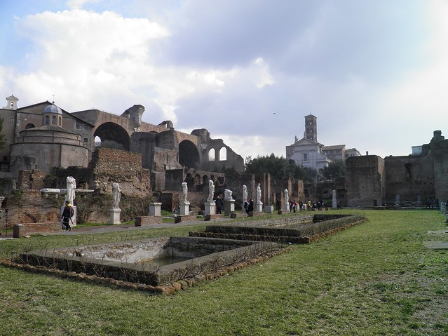 The peristyle garden court of the House of the Vestal Virgins (Atrium Vestae) with a double pool, Upper Via Sacra, Rome