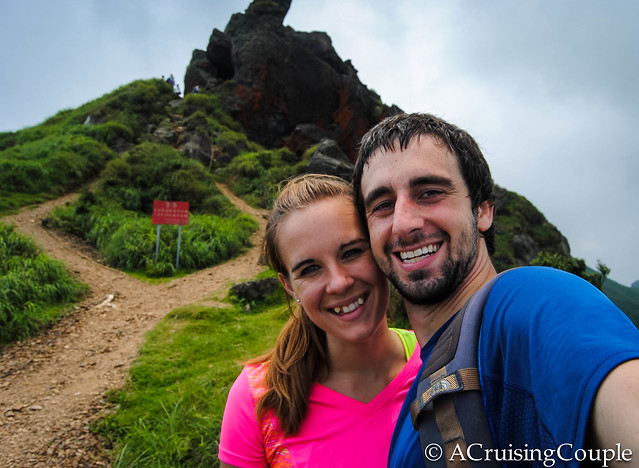 Meet the Nomads - Dan and Casey of A Crusing Couple