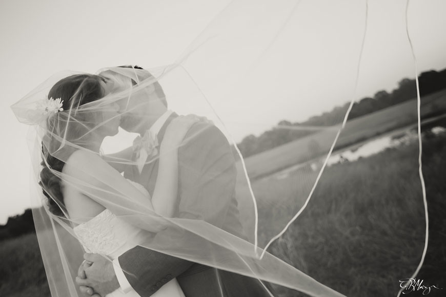 Bride_Groom_Couple_Kiss_Veil