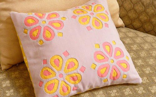 reverse-applique-pillow1
