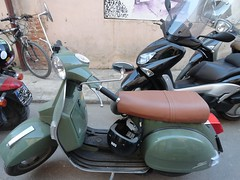 cruiser(0.0), scooter(1.0), vehicle(1.0), motorcycle(1.0), motorcycling(1.0), vespa(1.0),
