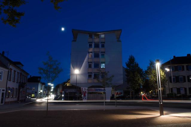 Guido Stifts Platz mit Blick auf Armbrust und Wormser Straße