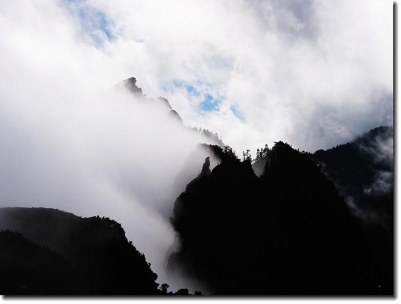 霧鎖鷹子嘴山 1