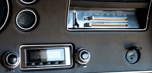 7070 chevelle dash with usbaux (Custom)