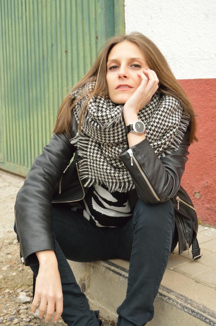 lara-vazquez-madlula-fashion-blog-streetstyle-black-outfit-perfecto-jacke