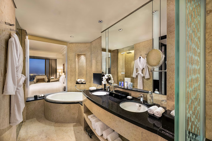 The Conrad Hotel Dubai www.ideeperviaggiare.it