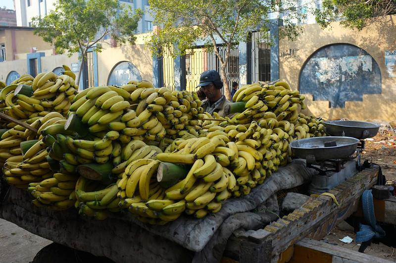 Ras El Bar market pisang