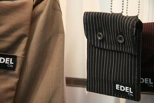 用男裝袖口做成的小背袋2