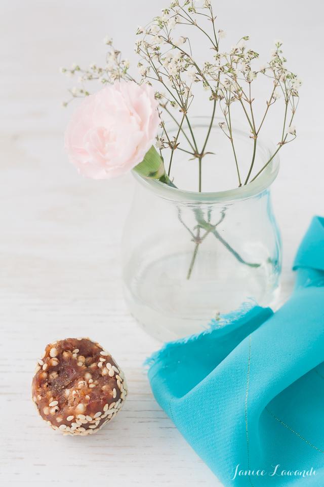Bite-sesame-date-truffles