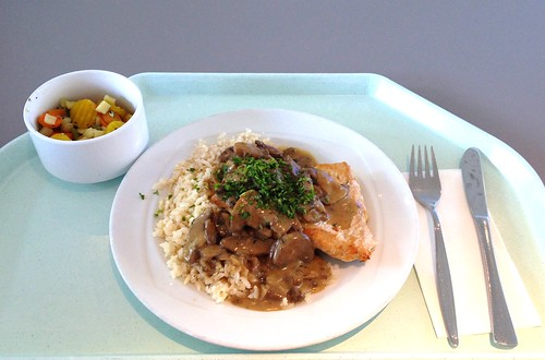 Putensteak in Champignonsauce / Turkey steak in mushroom sauce