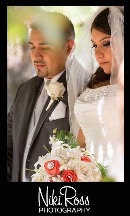 BrideGroomPray