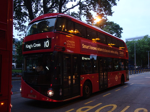 London United LT88 on Route 10 (N), Euston Station