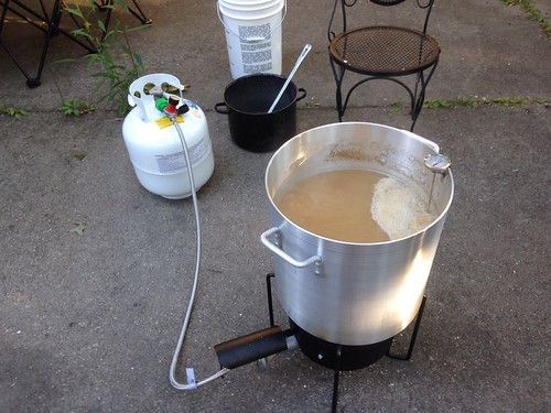 a slow, rolling boil of the wort