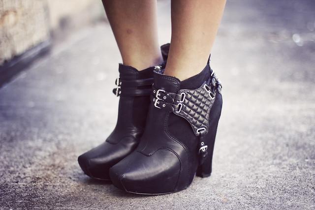 sam edelman zoe boots balenciaga