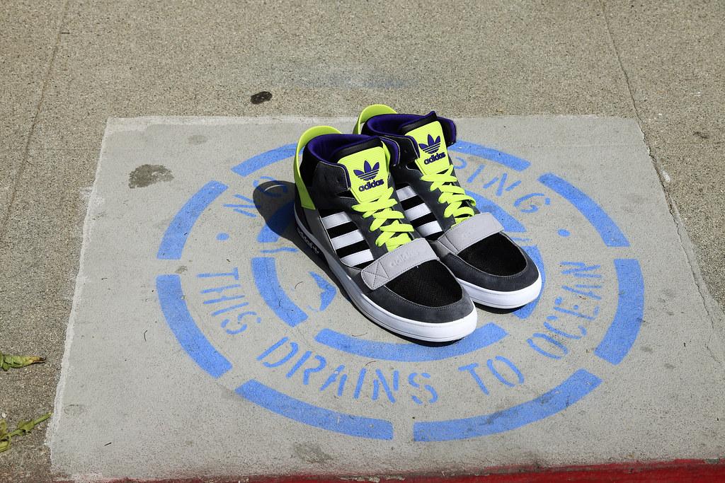 adidas-originals-snoop-lion
