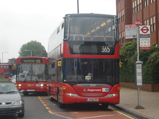 Stagecoach 15009 on Route 365, Romford