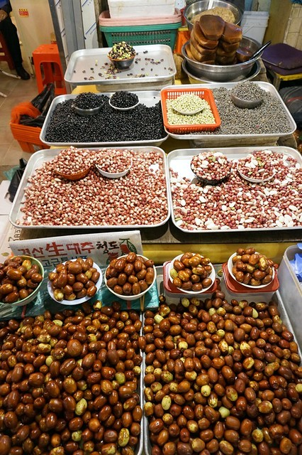 Gwangjang Traditional Market in Korea - rebeccasaw blog-027