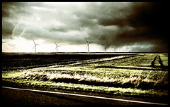 Approaching rain clouds over the flatlands #thefens#stormclouds#camera+ by davidearlgray
