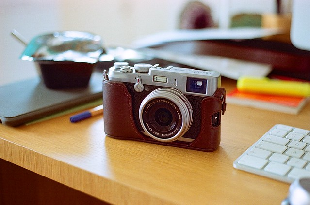 Fujifilm Finepix X100 - Canon AE-1 Program