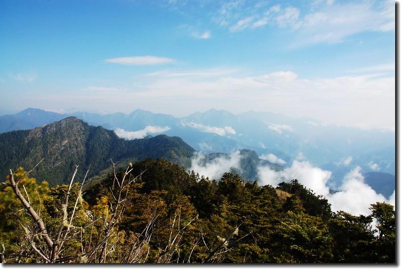 帕托魯山北望無明、南湖、中央尖群峰