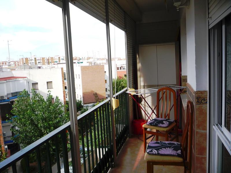 Nach hilfreicher Einweisung unserer Gastgeber Wäsche aufhängen am Balkon