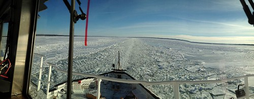 USCGC Biscayne Bay breaks ice on St. Marys River