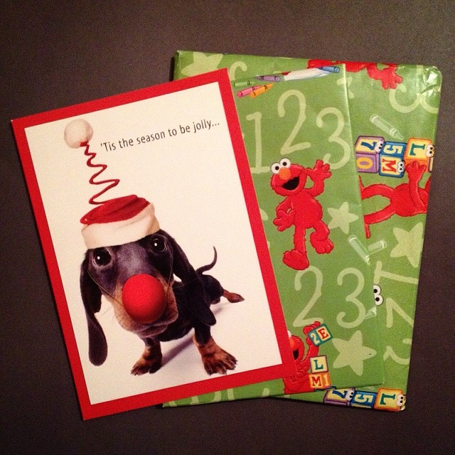 Today's incoming, I just love the Elmo paper and the Festive dog! #christmas #christmascard #itsamailday #incomingmail #dog #elmo #sesamestreet #christmashat #snailmail #snailmailobsessed #snailmailrevolution #sendmoremail #mail