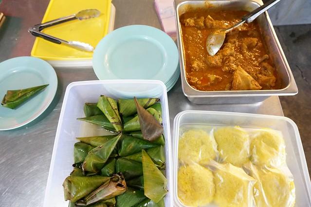 malay nyonya kuih in melaka - Perhentian kuih kampong-001