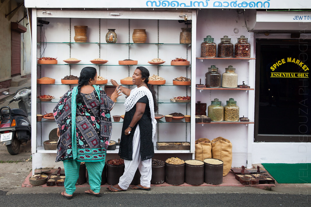 Women at a spice store, Jew Town