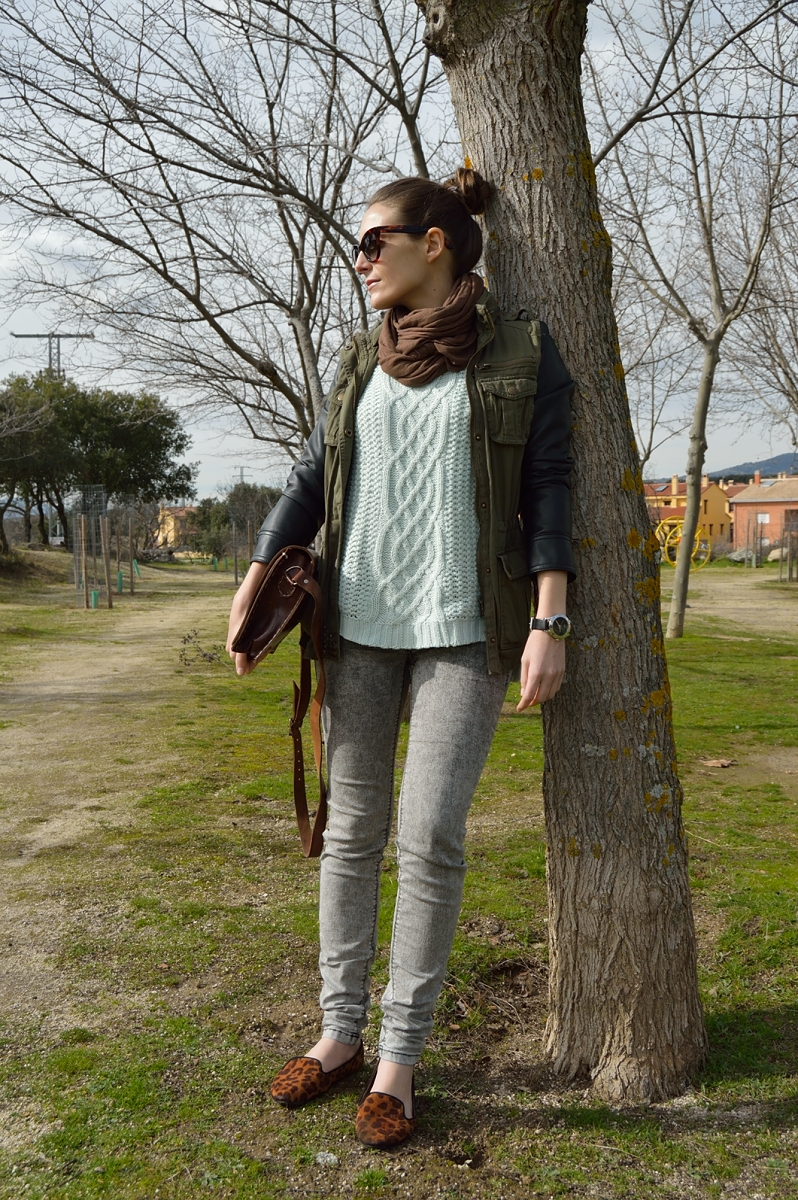 lara-vazquez-madlula-blog-mint-sweater-brown-details