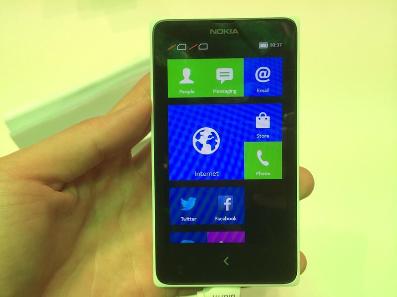 Nokia X - Front