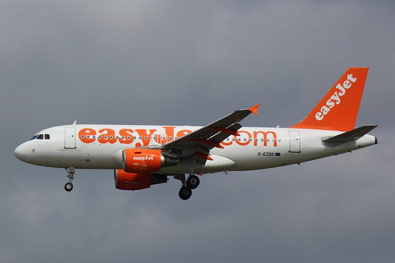 Easyjet - A319 - G-EZDO (1)
