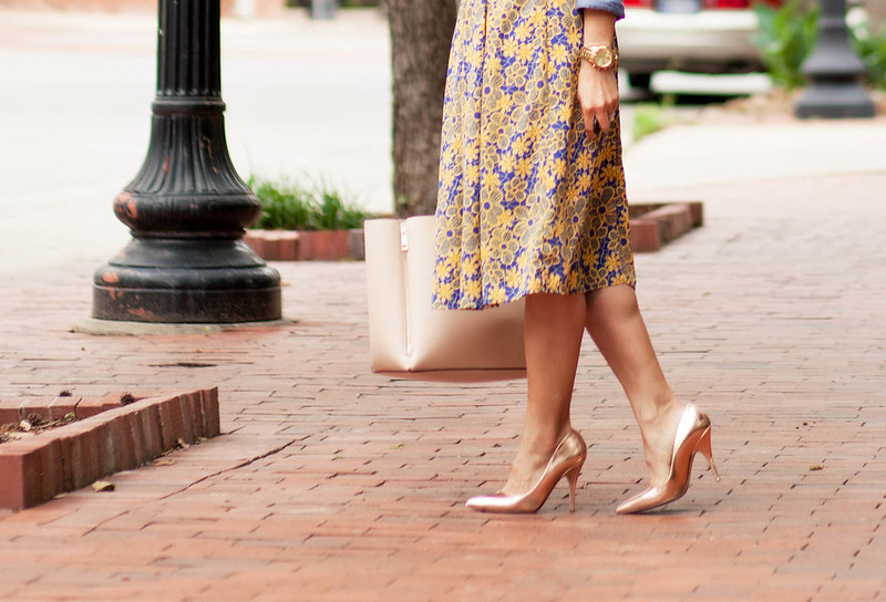 cute & little blog | petite fashion | chambray shirt, white plum donna flower skirt, gold pumps, oasap statement necklace | spring outfit