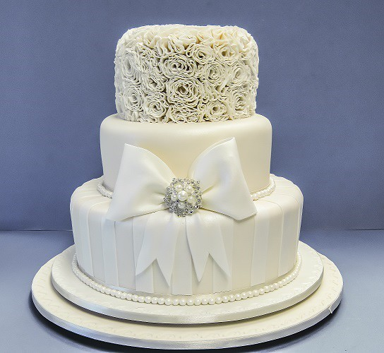 Cake Decorating Course Toowoomba : Designer wedding cakes Toowoomba Wedding Cakes Wedding ...