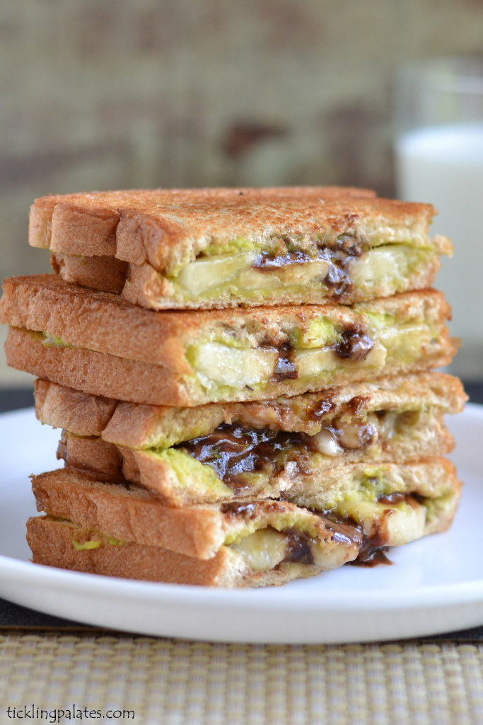 Avocado Chocolate Grilled Sandwich Recipe | Easy Sandwich Recipes For ...